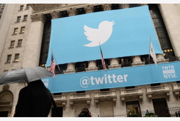Twitter chiude 70mila account legati a teoria QAnon