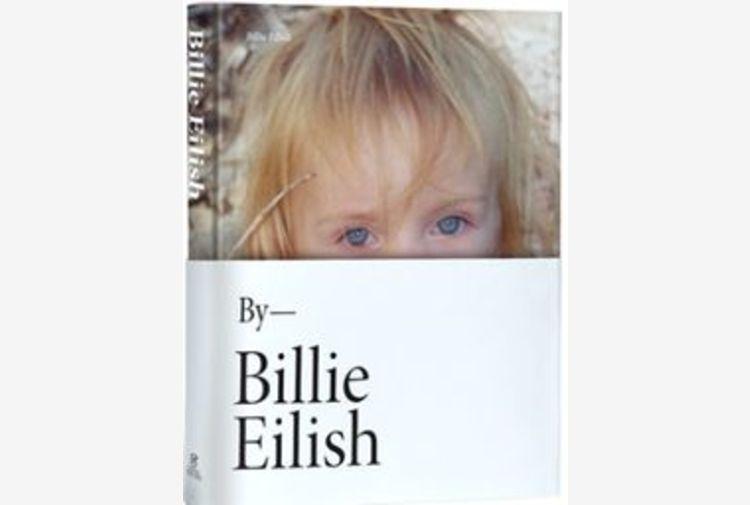 Billie Eilish, il primo libro ufficiale con foto inedite
