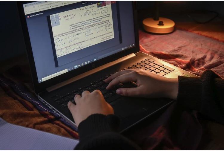 Scuola, la Sicilia potenzia la piattaforma per le lezioni online