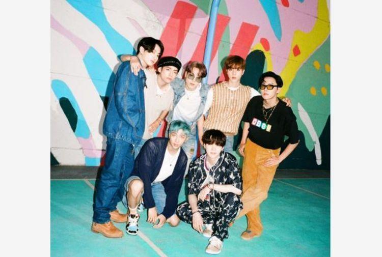 'Dynamite' della band coreana BTS è da record