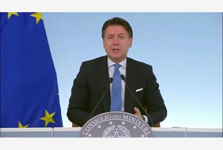 Conte: dimissioni ministre Iv accettate, Mattarella è informato