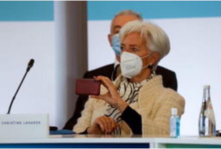Lagarde, fare presto sul recovery, ripresa dipende da lockdown