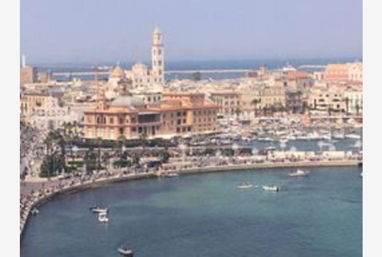 Capitale cultura 2022: Decaro, Bari vocazione mediterranea
