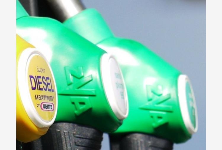 Corte Giustizia Ue, sconto carburanti in Friuli non viola direttiva