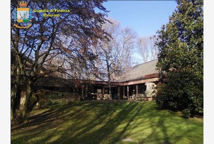 Blutec, sequestrata villa di lusso con parco privato all'ex patron Ginatta