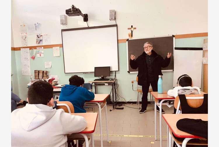 """Padre Maccalli ai bambini: """"Voglio tornare in Africa"""""""