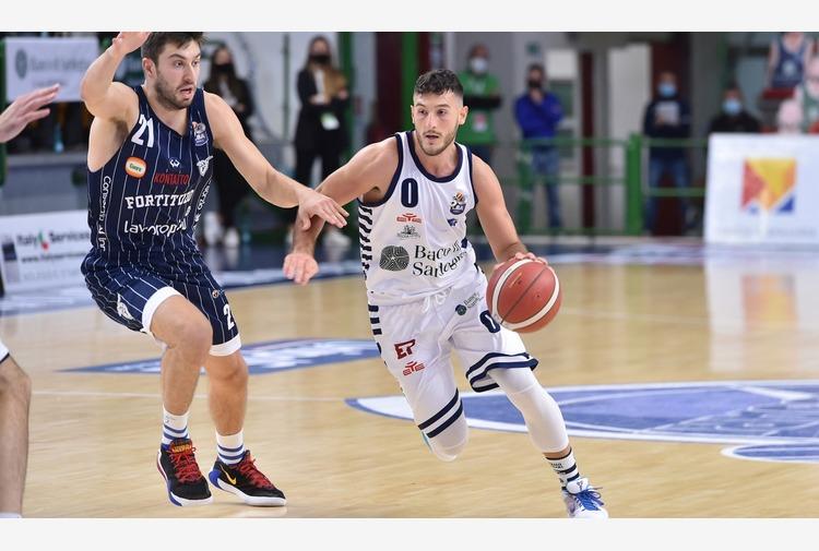 Trieste-Dinamo: palla a due alle 19