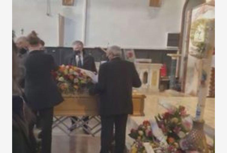 Morto Solange: commozione a funerale artista nel Livornese