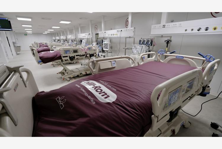 Nuovo Covid hospital all'interno della Fiera del Levante di Bari