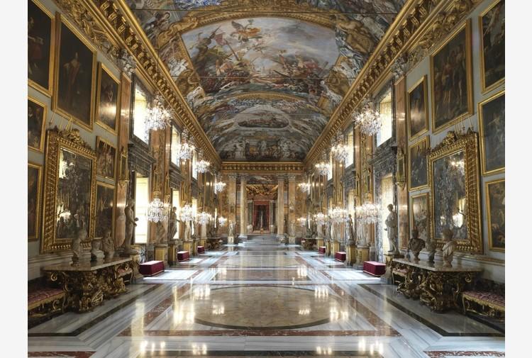 Moda: Valentino sfila da Roma per la fashion week di Parigi