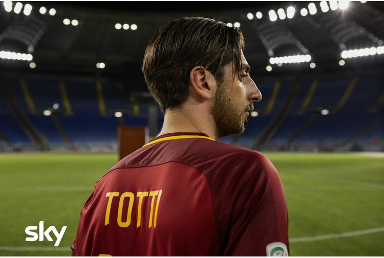 A marzo su Sky la serie su Totti con Pietro Castellitto