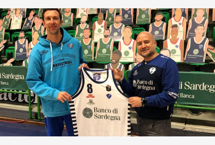 Dinamo e Fondazione Dinamo in campo per Paolino: una maglia benefica per il Covid-19
