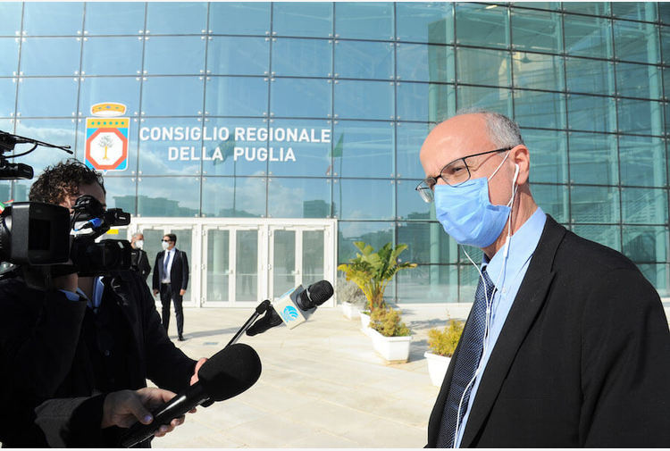 """Vaccino, Lopalco: """"Previsto taglio dosi Pfizer anche nelle prossime settimane"""""""