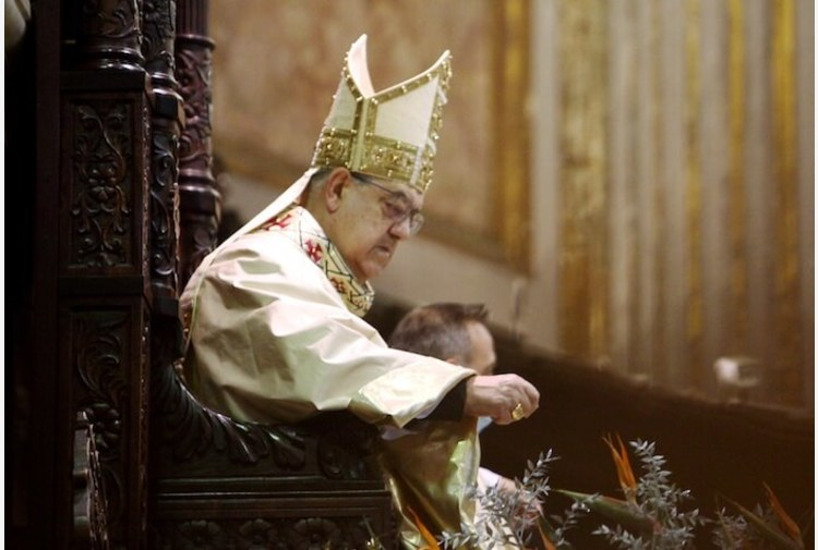 Cardinale Sepe ancora positivo al Covid, rinviata celebrazione di fine ministero
