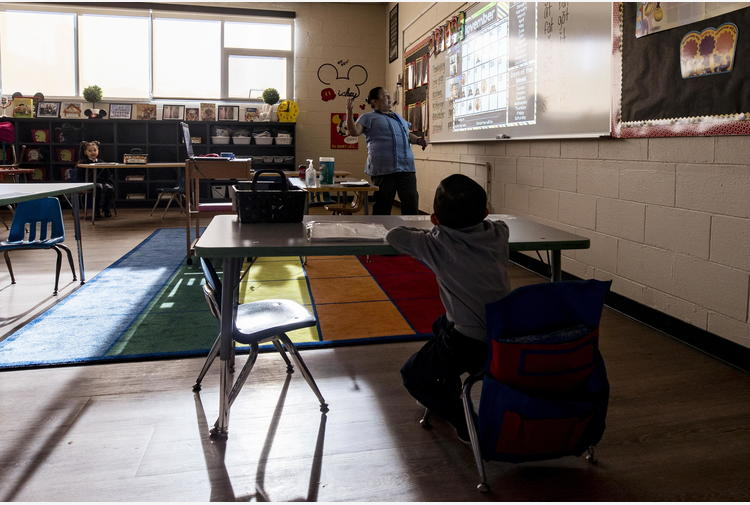 Covid: Las Vegas riapre scuole dopo ondata suicidi