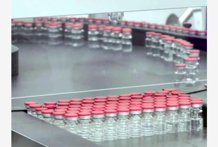 AstraZeneca respinge le pesanti accuse: vaccino efficace anche su anziani over 65