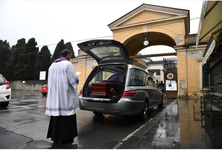 Funerale 'sociale' contro la crisi
