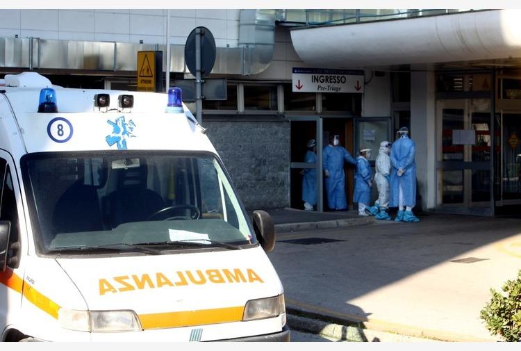 Coronavirus, 14.218 nuovi casi e 377 decessi in 24 ore