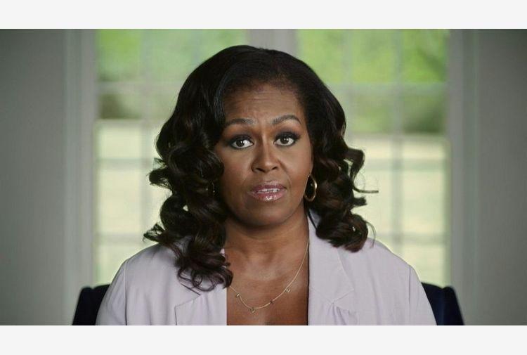Emirati arabi, cyber-spie hanno hackerato mail di Michelle Obama