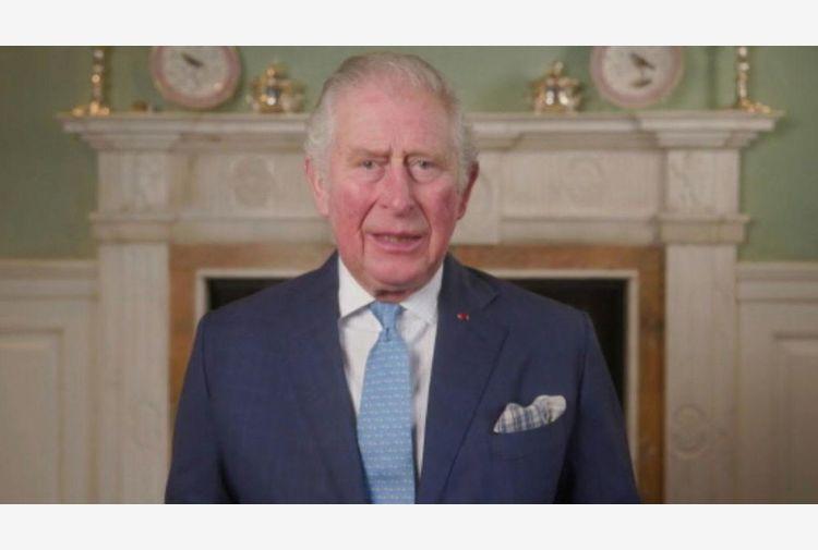 Coronavirus, il principe Carlo e Camilla si sono vaccinati