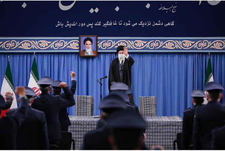 Iran: Khamenei, da Usa ed Europa vogliamo fatti, non parole