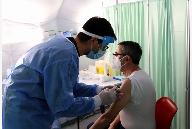 Vaccini,Astrazeneca assicura:impegno con l'Italia sarà rispettato
