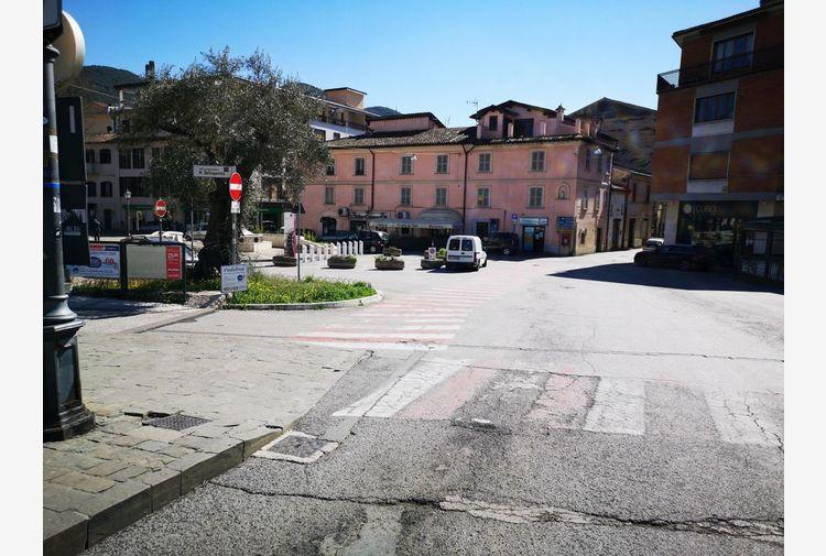Covid, fonti: in zona rossa vietati spostamenti anche verso case