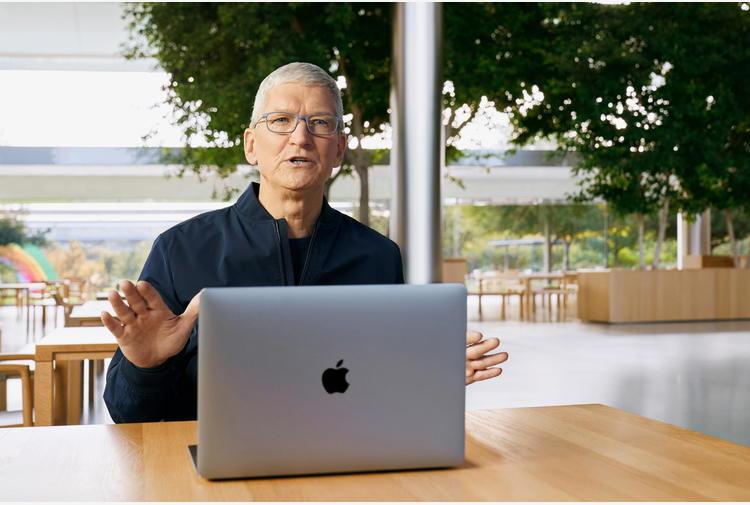 Apple: Cook, 'molte idee nate guardando a Cina'
