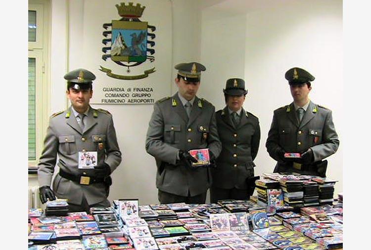 Pirateria: studio legale Usa, profitti su 4 conti a Napoli