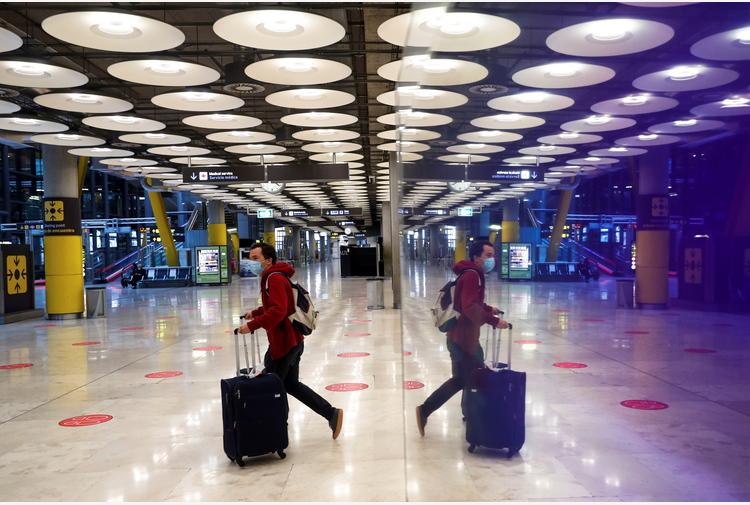 Covid: Spagna, esteso stop arrivi da Gb,Brasile e Sud Africa