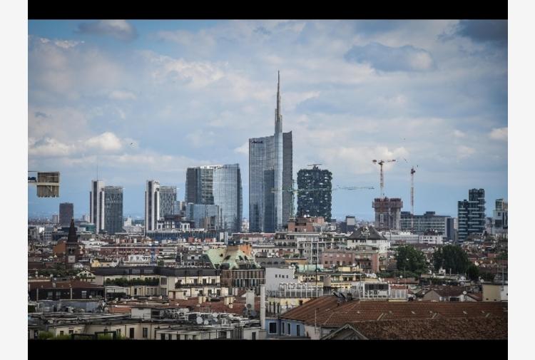 Immobiliare: Jll, in calo locazioni uffici a Roma e Milano