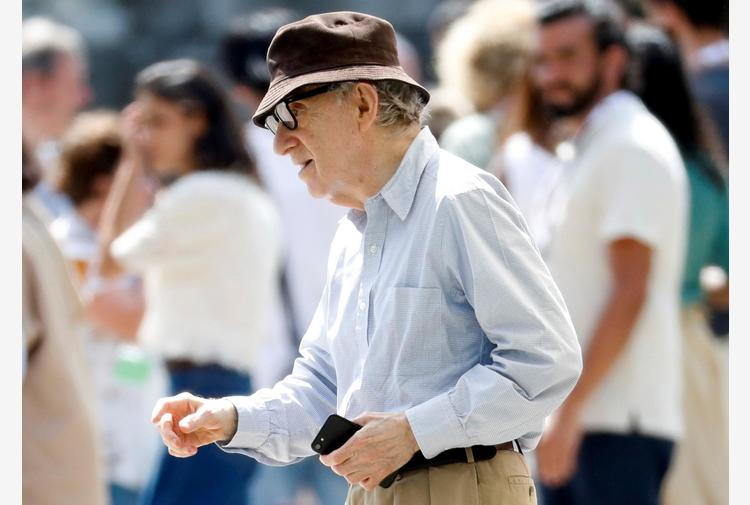 Editore Woody Allen minaccia causa per docuserie