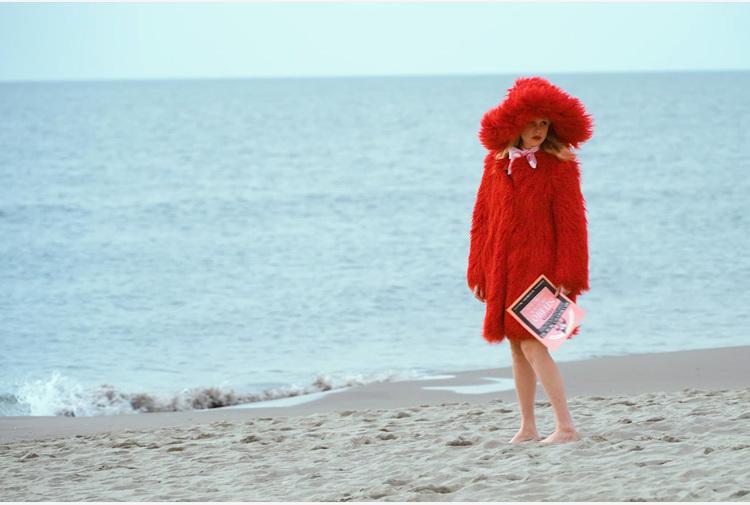 Moda: Petite Meller star video Alabama Muse