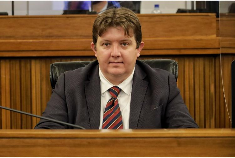 ++ +Covid:presidente Vda,nostra legge adattava norme a territori