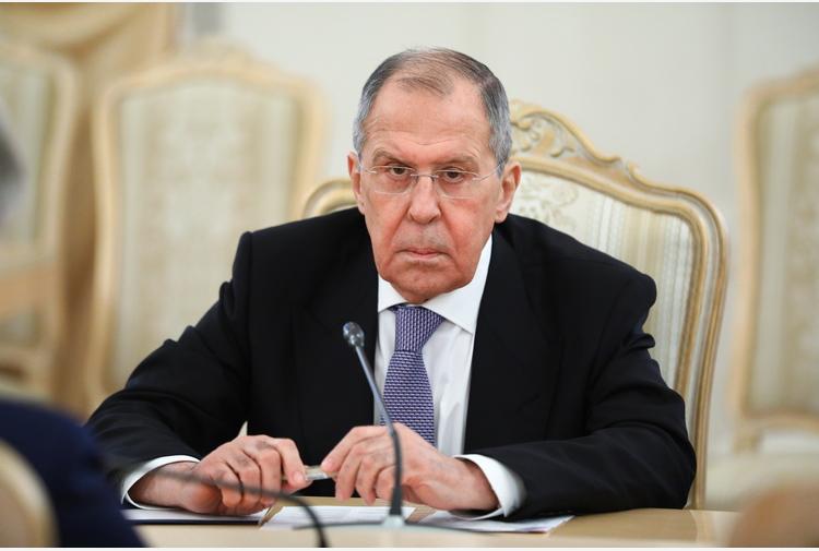 Mosca, sul disarmo nucleare coinvolgere Parigi e Londra