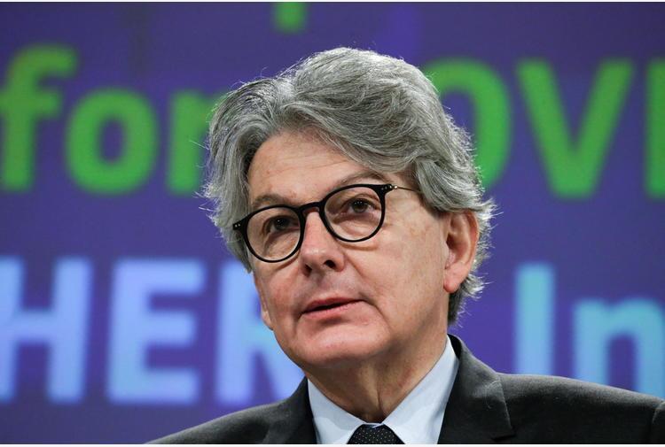 Covid: Breton, 2-3mld vaccini prodotti in Ue entro fine anno