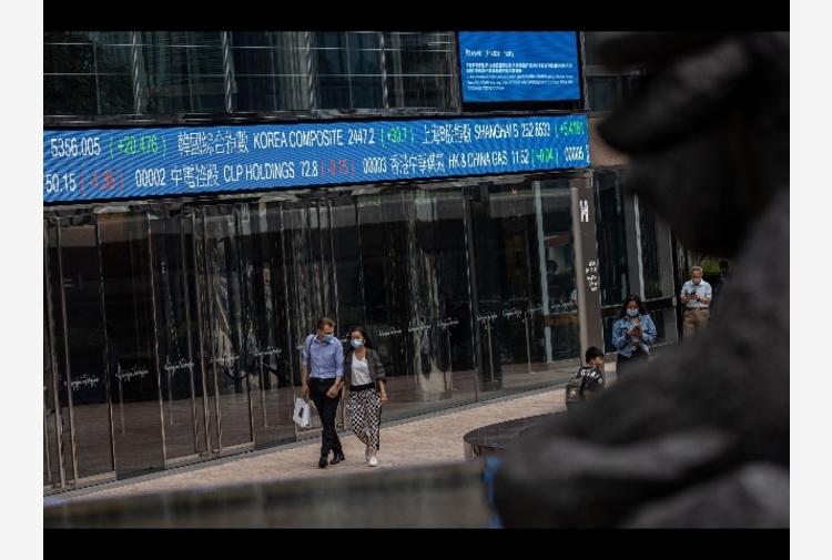 Borsa: Asia giù, timori aumento tassa Hong Kong,Tokyo -1,61%
