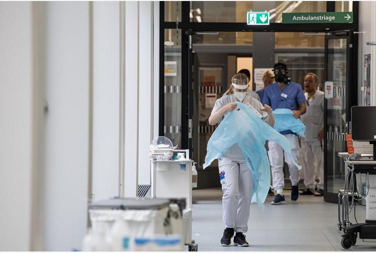 Covid Svezia, nuove misure e restrizioni: 'Situazione grave'