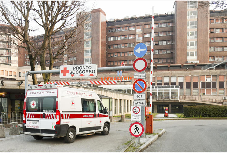 Covid: Lombardia supera 4.000 casi, quasi 1.000 a Brescia