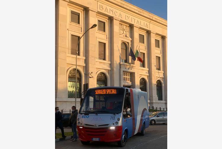 Vaccini: arriva il bus vax, trasporto gratuito per over 80