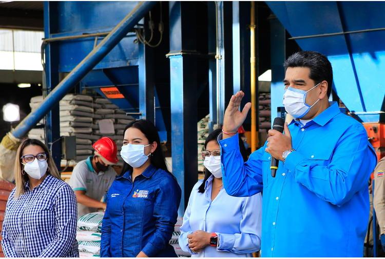 Venezuela: Maduro, l'Ue riveda le sanzioni o niente dialogo