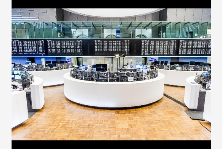 Borsa: Europa apre positiva, Francoforte +0,49%