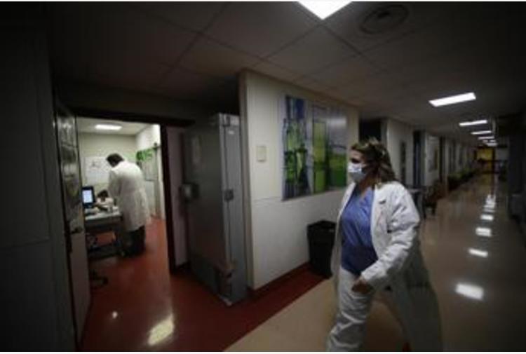 Coronavirus Campania, 2.385 nuovi casi e 29 morti: bollettino 25 febbraio
