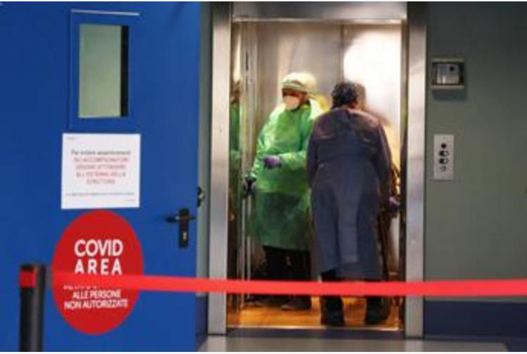Coronavirus Lombardia, oggi 4.243 nuovi casi e 44 morti: bollettino 25 febbraio