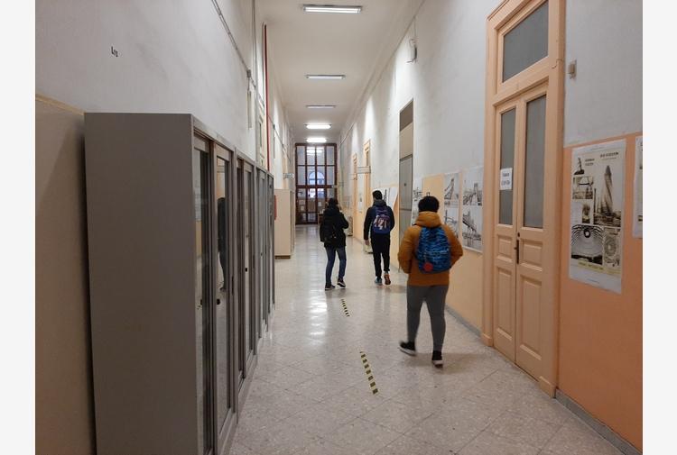 Scuola: Tar Puglia, legittima nuova ordinanza Regione su Did