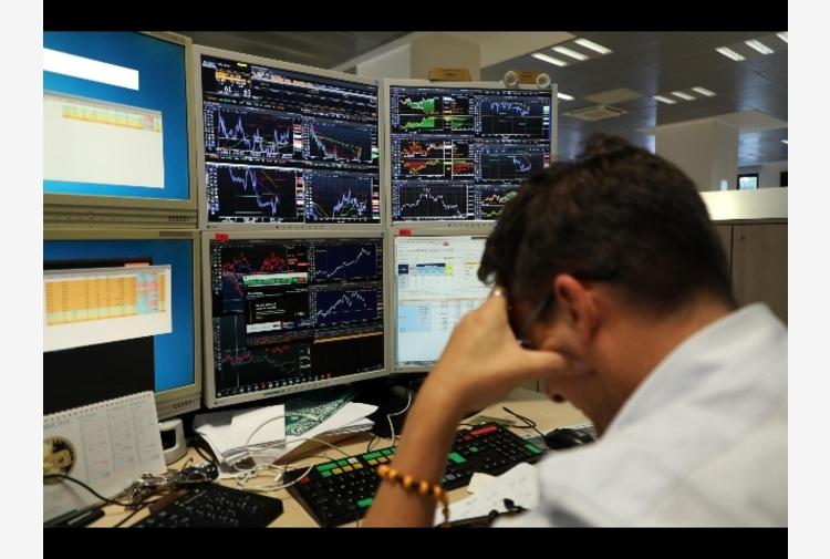 Borsa: Milano (-1%) in calo con banche e energia