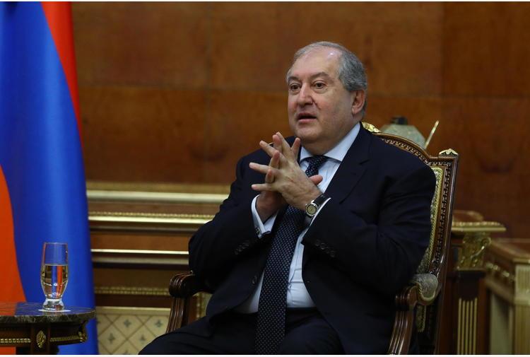 Armenia: presidente non firma licenziamento capo esercito