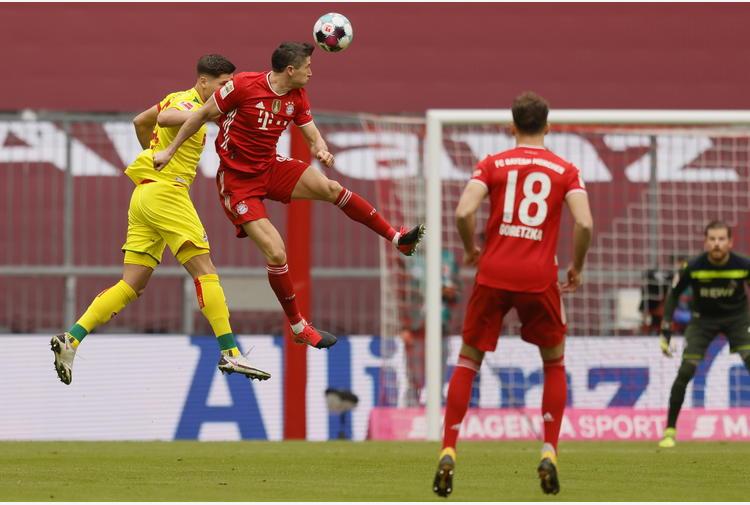 Bundesliga: Bayern Monaco forza cinque, Lewandowski ne fa due