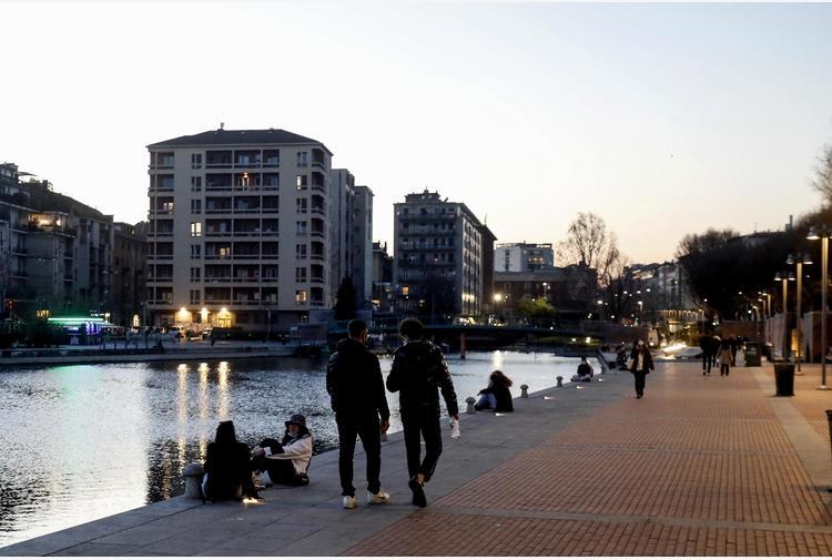 Covid: in Lombardia 3.762 positivi, crescono i ricoveri