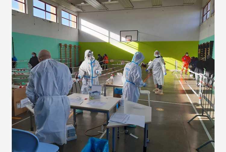 Test di ingresso obbligatorio per chi arriva in Sardegna: tra alternative anche la quarantena di 10 giorni